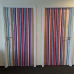 Drzwi oklejone folią z laminatem, framugi pomalowane
